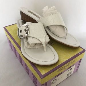 BRIGHTON LARK THONG SANDALS EUC